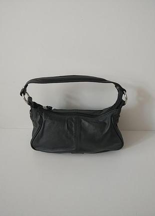 Кожаная маленькая сумочка.