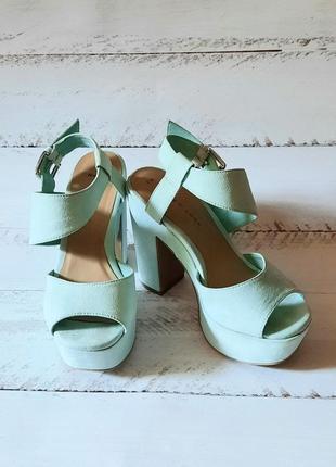 Босоножки на каблуке, босоножки на платформе, босоножки на каблуке и платформе, туфли на каблуке