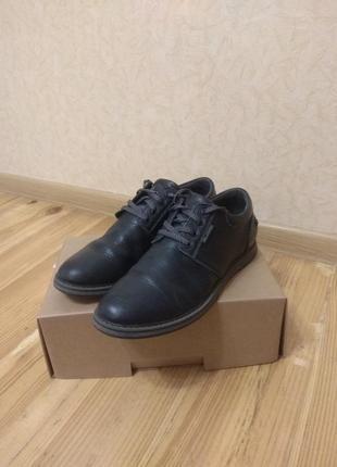 Кожаные туфли на мальчика в идеальном состоянии