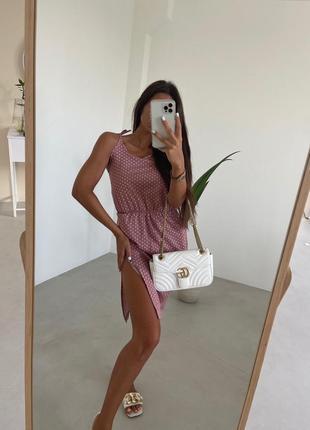 Женское платье тренд горошек с разрезом 2021