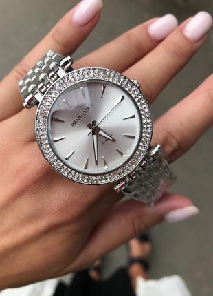 Часы серебро в сверкающих камнях3 фото
