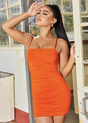 Оранжевое платье мини с драпировкой на силиконовым бретелях oh polly