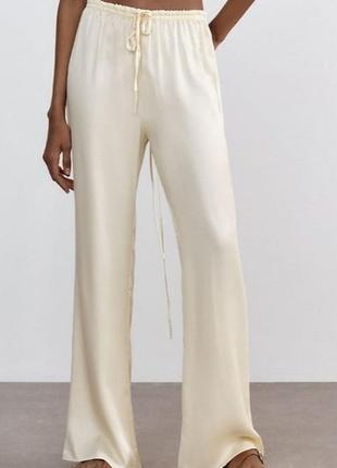 Шикарные сатиновые  брюки zara