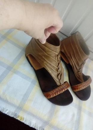 Cтильные кожаные сандали вьетнамки босоножки