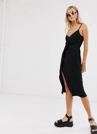 Сарафан платье миди с имитацией запаха черное на тонких бретелях с узлом на спинке