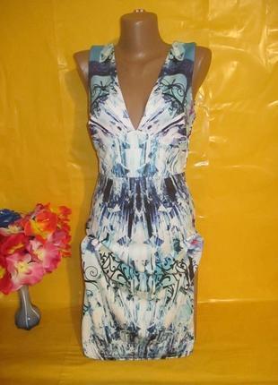 Очень красивое женское платье грудь 42-46 см lipsy (липси) ткань дайвинг !!!!!!!!