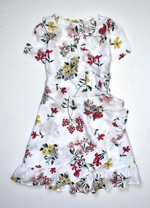 Next  нежное платье с рюшами на запах. 7 лет