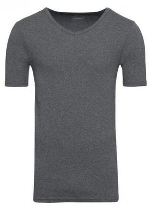 Базовая мужская приталенная футболка livergy