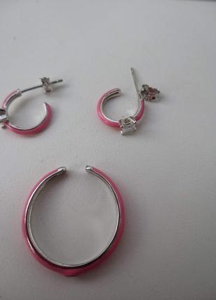 Серебряное кольцо с розовой эмалью и фианитом5 фото