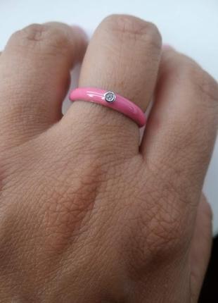 Серебряное кольцо с розовой эмалью и фианитом1 фото