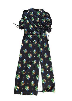 Платье с разрезом , макси