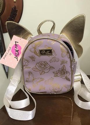 Маленький рюкзак с крылышками бренд betsey johnson (luv betsey wingss) оригинал