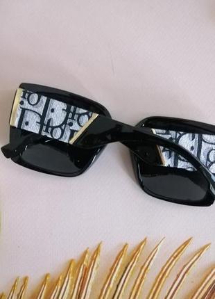 Эксклюзивные брендовые чёрные с текстурными дужками солнцезащитные женские очки 2021 с поляризацией