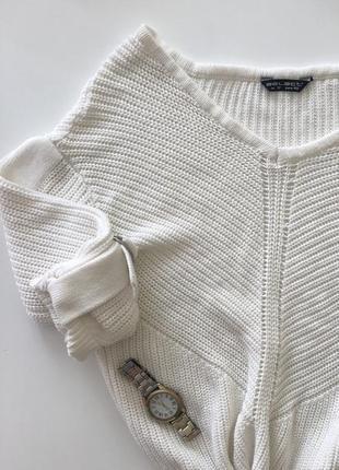 Білий светр select