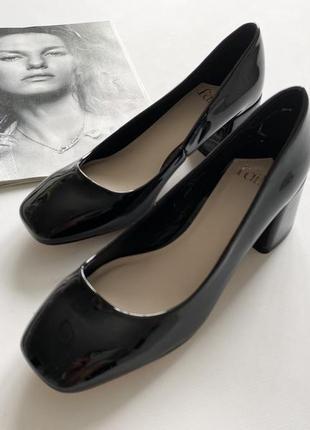 Красивые туфли эколак черные 36.5- 37р2 фото