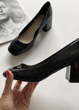 Красивые туфли эколак черные 36.5- 37р3 фото