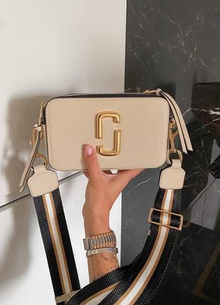 Шикарная женская сумка snapshot beige/gold logo