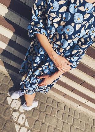Легкое платье голубика
