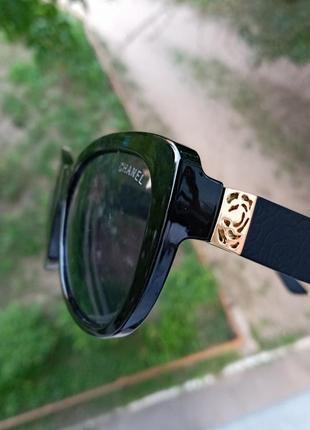 Стильные аккуратные итальянские очки очки кошки очки лисички 3 категория защиты из 4 существующих uv4004 фото
