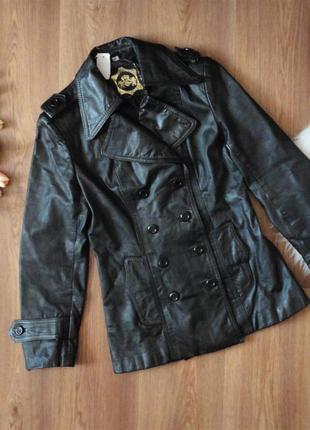 Кожаная куртка р. 36, s