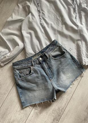 Фирменные джинсовые шорты размер 27-28