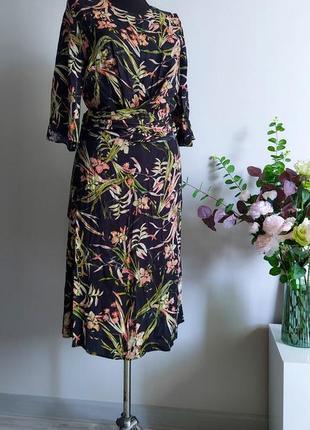 Платье,сукня, платття миди в цветочный принт с поясом m&s