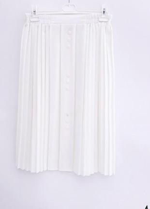 Нежная юбка молочного цвета