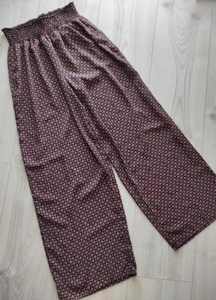 Сатинові широкі штани від yessica, брюки как zara