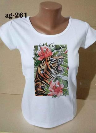 Футболка женская, тигр в цветах