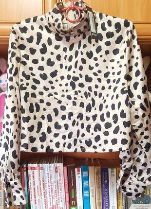 Блузка атласная тигровая