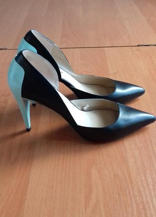 Нарядные женские  туфли на высоком каблуке от zara, размер 40.