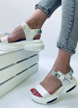 Рр 34,35,36.женские спортивные белые кроссовки