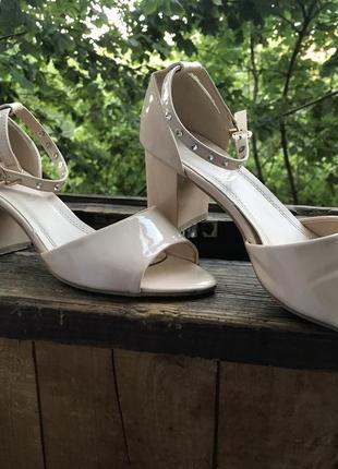 Туфли , босоножки на каблуке, туфельки , босоножки