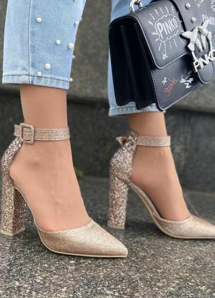 Туфли на каблуках золотистые женские босоножки