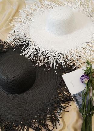 Соломенные шляпы с полями
