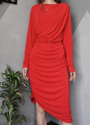 Эффектное вечернее платье с драпировкой h&m