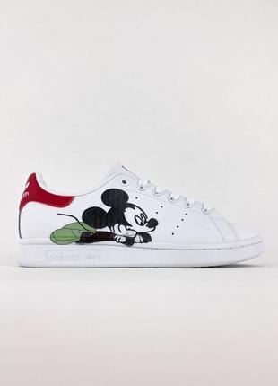 Стильные женские кроссовки adidas stan smith x disney white red адидас с принтом микимауса белые