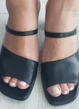Кожаные шлепки с квадратным носком