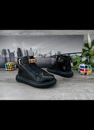 Бомбезні черевички для дівчаток