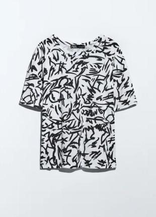 Шикарная хлопкoвая футболка в принт zara