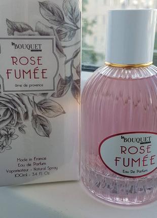 Le bouquet parfait rose fumee