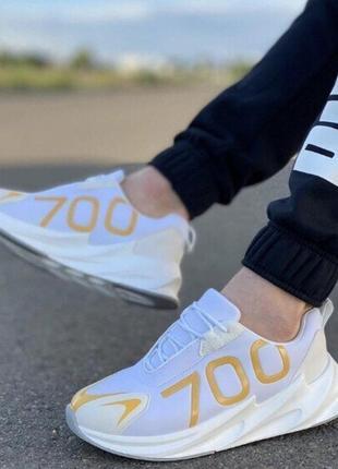Новые стильные и модные кроссовки. размеры: 40-45