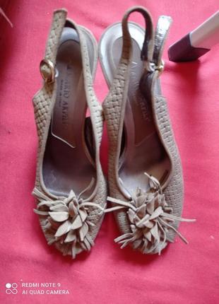 Красивые замшевые туфли, босоножки, натуральная кожа р.38 mario aprili
