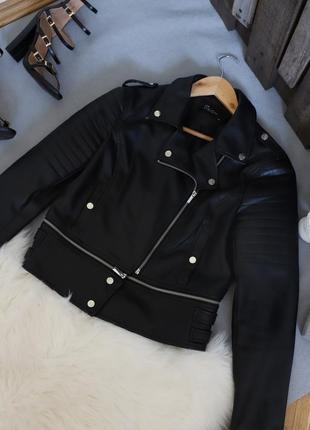 Идеальная базовая кожаная куртка косуха
