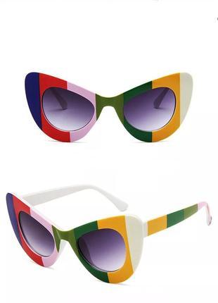 Классные солнцезащитные очки тренд геометрия жолтые зеленые окуляри сонцезахисні