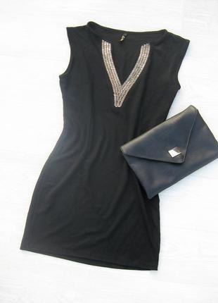 Платье l mode чёрное облегающее обтягивающее с золотистым декором