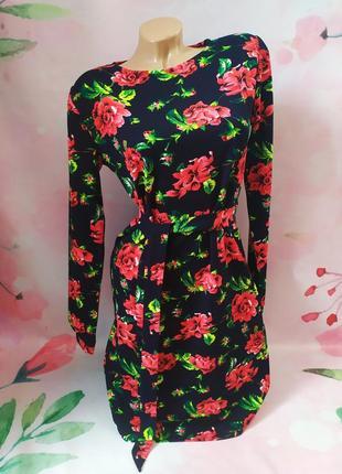 Шикарное новое трикотажное платье