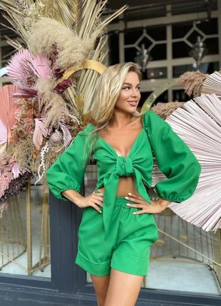 Женский костюм шорты и топ лён зелёный малина