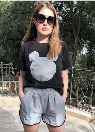 Костюм / шорты и футболка