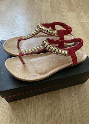 Удобные фирменные босоножки сандалии